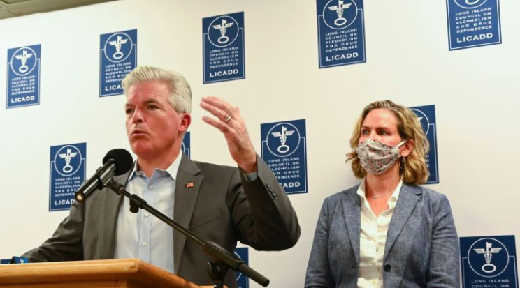 Newsday: Bellone, other Dem officials push for more virus relief aid